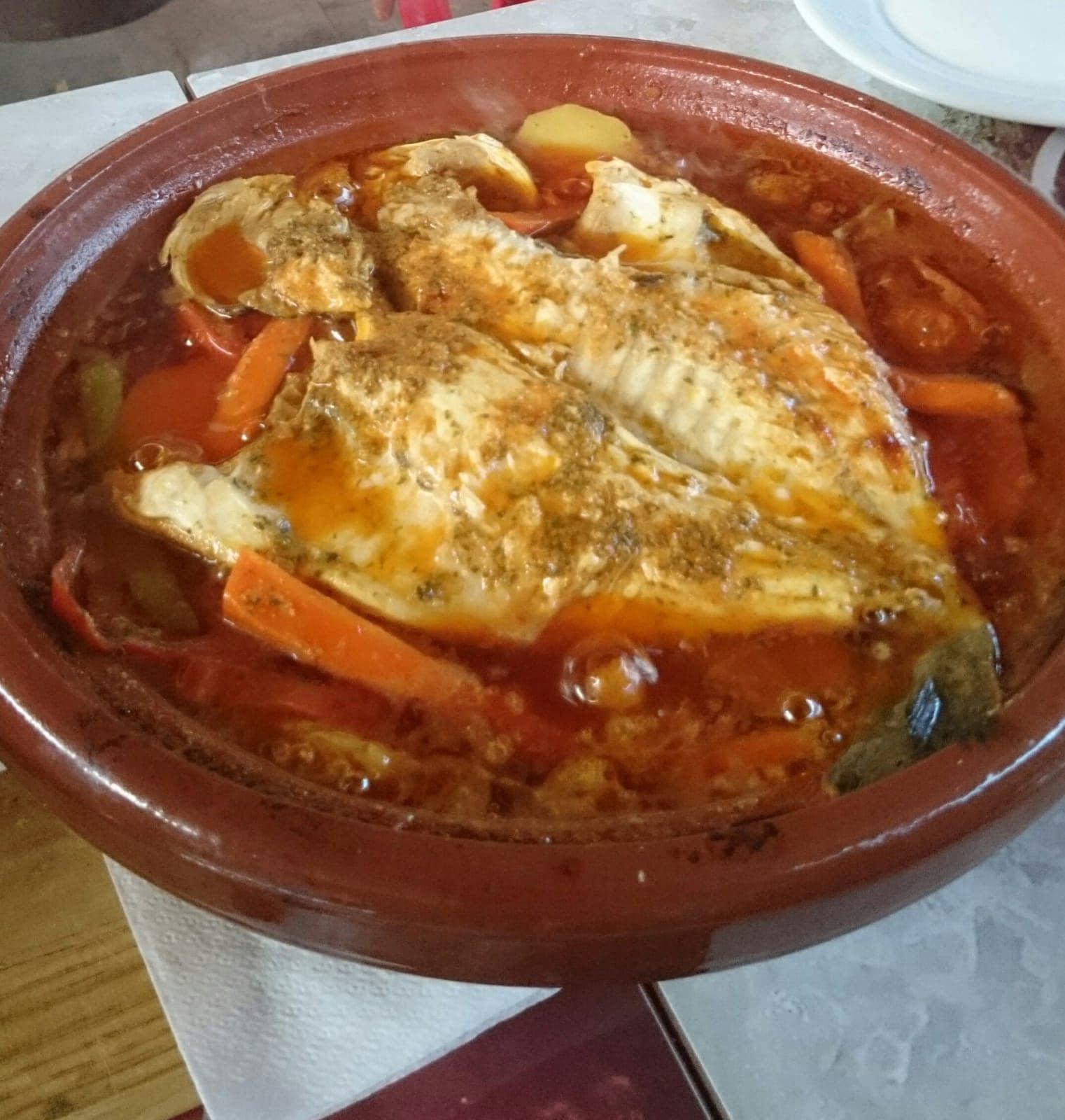 Tajine de lubina al horno Casa Moha Punta Umbría comida marroquí y mediterránea