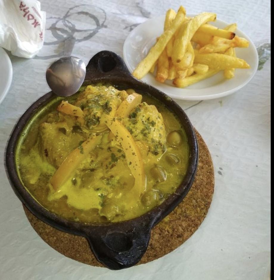 Tajine de pollo al limón Casa Moha Punta Umbría comida marroquí y mediterránea