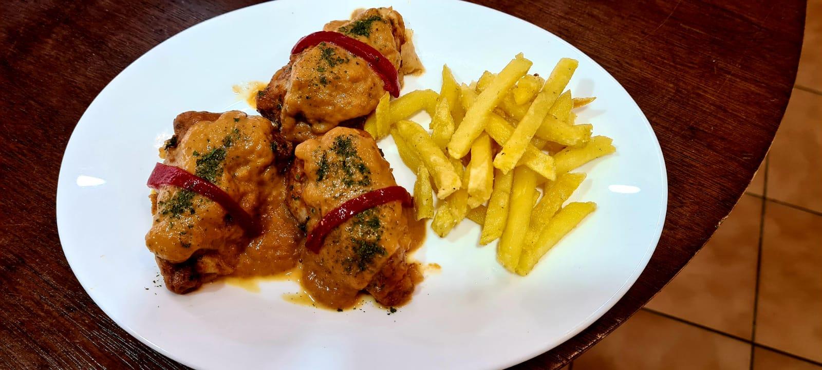 Pimientos del piquillo Casa Moha Punta Umbría comida marroquí y mediterránea